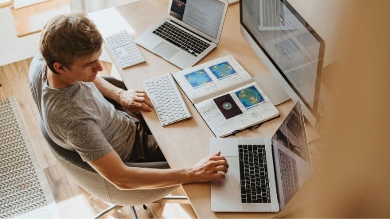 在宅勤務で怠けないための対策7選【効果抜群】
